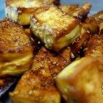 Tofu horneado con salsa barbacoa y sésamo