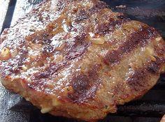 Pljeskavica mit Schafskäse - Grillrezepte