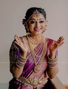 Kerala Hindu Bride, Kerala Wedding Saree, Indian Wedding Bride, Indian Bridal Sarees, Indian Bridal Outfits, Indian Bridal Fashion, Wedding Sarees, Wedding Outfits, Wedding Attire