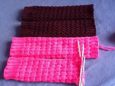 Tummat säärystimet 7Veljestä, mallineule Yhteishyvä-lehdestä. Pinkit Isoveljestä. Knitting Ideas, Knits, Socks, Fashion, Tricot, Moda, Fashion Styles, Sock, Knit Stitches