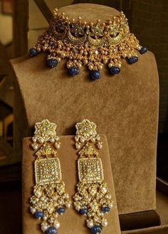 Gold Jewelry, Fine Jewelry, Jewellery, Bridal Accessories, Jewelry Accessories, Lakshmi Photos, Karan Johar, Indian Jewelry, Chokers