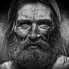 Homeless Black & White Portrait Photography By Lee Jeffries Lee Jeffries, Homeless People, Homeless Man, Black And White Portraits, Black And White Photography, People Photography, Portrait Photography, Raw Photography, Black And White People