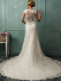 V-Ausschnitt Spitze Brautkleider