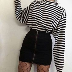 Trendy t-shirt fashion casual sweaters 44 ideas Neue Outfits, Edgy Outfits, Grunge Outfits, Girl Outfits, Fashion Outfits, Fashion Clothes, Clothes Women, Fashion Ideas, Kpop Clothes