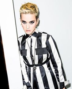 SWISH SWISH.....OK I  don't know bout u but I'm loving her new hair style