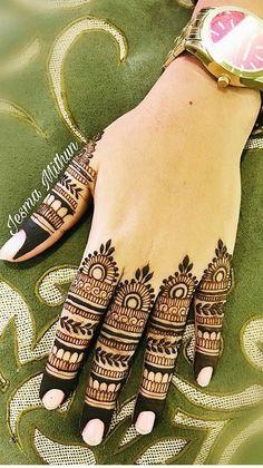 Simple Mehndi Designs Fingers, Latest Finger Mehndi Designs, Henna Tattoo Designs Simple, Full Hand Mehndi Designs, Henna Art Designs, Mehndi Designs For Beginners, Mehndi Design Photos, Wedding Mehndi Designs, Latest Mehndi Designs