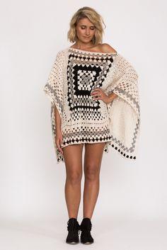 India Poncho - Crochet Inspiration - No Pattern Mode Crochet, Crochet Poncho Patterns, Crochet Scarves, Crochet Clothes, Crochet Granny, Hand Crochet, Knit Crochet, Mode Boho, Crochet Shirt