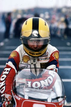 1981 Jeoy Dunlop NW200, http://www.daidegasforum.com/forum/foto-video/511287-joey-dunlop-foto-raccolta-thread.html