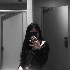 Korean Girl Photo, Cute Korean Girl, Cute Girl Photo, Girl Photo Poses, Girl Photography Poses, Girl Photos, Cool Girl, Asian Girl, Selfi Tumblr