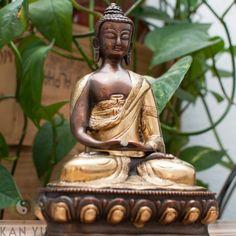 Buddha Figur mit Amitabha Mudra, zweifarbig
