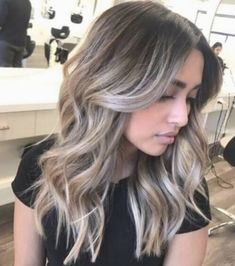 Dark Roots Blonde Hair Balayage, Blonde Hair With Roots, Ombre Blond, Balayage Ombré, Dark Hair With Highlights, Brown Blonde Hair, Hair Color Balayage, Blonde Color, Ash Ombre