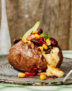 Tuplapaistetut tacopapupotut | Kasvis | Soppa365 Soul Food, Baked Potato, Salsa, Potatoes, Baking, Ethnic Recipes, Koti, Dinners, Red Peppers