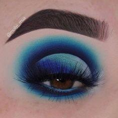 Best Eyeshadow Looks Featuring Blue Blood Red Eyeshadow Looks Blood blue Eyeshadow Featuring Blue Eyeshadow Makeup, Blue Eyeshadow Looks, Eyeshadow Tips, Makeup Eye Looks, Eye Makeup Art, Eyeshadow Palette, Eyeshadows, Colourpop Eyeshadow, Fun Makeup