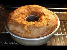 Bizcocho de zanahoria, manzana y naranja!! 🍏SUPER JUGOSO!! - YouTube Cake Cookies, Cupcake Cakes, Bunt Cakes, Pan Dulce, Apple Desserts, Food Humor, Bagel, Cake Pops, Allrecipes
