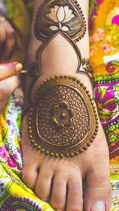 Indian Mehndi Designs, Legs Mehndi Design, Tatoo Designs, Mehndi Designs For Girls, Mehndi Design Photos, Unique Mehndi Designs, Wedding Mehndi Designs, Henna Designs Easy, Mehndi Designs For Hands