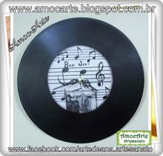 Relógio de vinil http://www.amocarte.blogspot.com.br/