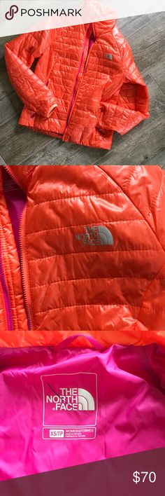 North face slim puffer. North Face women's thin puffer jacket. Nylon and Polyester. Size size..fits TTS. Like new...beautiful color. Bundle in my closet and save. I ship same day or next day almost always! No PayPal's or trades. Thank you for checking out my closet!#340 Measurements: 18 inches across the bust and 13 inches from underarm to bottom band of jacket and sleeves measure 25 1/2 inches from shoulder to bottom The North Face Jackets & Coats Puffers
