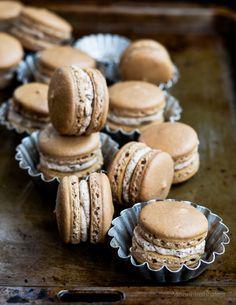 Trending for Charity /-/ Tim Tam Slam Macarons French Macarons Recipe, Macaron Recipe, Baking Recipes, Dessert Recipes, Chocolate Macaroons, Macaron Flavors, Tim Tam, Dessert Blog, Clean Eating Snacks