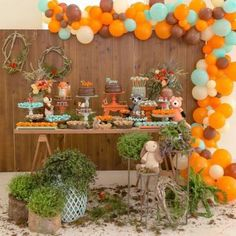 Trendy Baby Shower Decorations For Boys Animals Woodland Creatures Ideas Otoño Baby Shower, Baby Shower Flowers, Unique Baby Shower, Baby Shower Parties, Theme Bapteme, Forest Baby Showers, Fall Birthday Parties, 5th Birthday, Fox Party