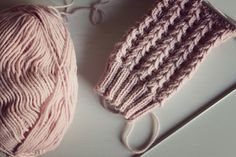 Knitting Stitches, Knitting Designs, Knitting Socks, Knitting Ideas, Chrochet, Knit Crochet, Needle Felting, Mittens, Diy And Crafts