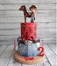 "Fatma Aydın / Cake Designer on Instagram: ""İyi ki doğdun Kuzey Asaf 👏 #kovboy #kovboypasta #kovboypastası #butikpasta #dogumgunupastasi #doğumgünüpastası #ozelpasta #özelpasta…"" Barnyard Cake, Instagram"