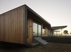 Check out the gallery for the products of shiplap cladding. It will give you the overview of the products and view into the shiplap cladding. Shiplap Cladding, Architecture Résidentielle, Installation Architecture, Contemporary Beach House, Gaudi, Building A House, Villa, Construction, House Design