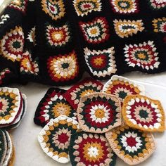 Manta Crochet, Crochet Granny, Crochet Baby, Knit Crochet, Crochet Blocks, Crochet Blanket Patterns, Crochet Crafts, Crochet Projects, Granny Square Projects
