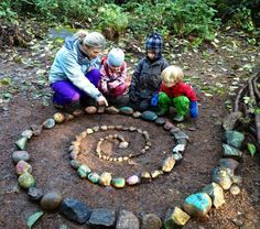 Alternative schooling such as Forest Kindergarten are using nature and the great outdoors to further our children's learning and social interactions in profound ways! Outdoor Learning, Outdoor Play, Backyard Obstacle Course, Forest School, Healthy Kids, How To Do Yoga, Beach Trip, The Great Outdoors, Kindergarten