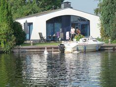 Aquaronde Lemmer-Bungalow und Boot mieten- strandnah