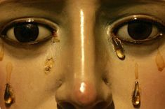 """Three dimensional tears on art, (Sculputures and paintings). This is """"The face of a statue of the Virgin Mary is seen in the chapel of """"Las tres gracias"""" during Holy Week in Pontevedra, northern Spain, April Easter Religious, Religious Art, Olgierd Von Everec, Southern Gothic, Girly, Holy Week, Blessed Mother, Mother Mary, Virgin Mary"""
