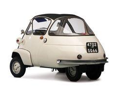 BBC - Autos - Selling the world's largest microcar collection Auto Retro, Retro Cars, Vintage Cars, Antique Cars, Fiat 600, Bmw Isetta, Microcar, Miniature Cars, Daihatsu