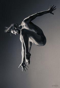 Oleg Markov, dancer Ballet Theatre of Boris Eifman – photography by Vadim Stein