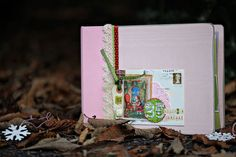 Journal your Christmas - my favourite class of the year. Scrapbook Pages, Scrapbooking, Christmas Journal, Mini Bottles, December Daily, Altered Books, Mini Books, True Stories, Mini Albums