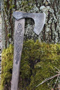 Топор Смауг – купить или заказать в интернет-магазине на Ярмарке Мастеров | Топор Смауг - огнедышащий крылатый дракон.<br /> …