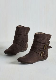 Bramble On Bootie in Espresso. On your first morning in the countryside, suit up in these dark brown booties and relish a mellow meander. #brown #modcloth