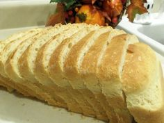 Based on a recipe from The Bread Machine Cookbook by Donna Rathmell German, p.112