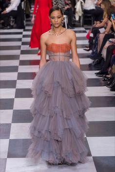 Sfilata Christian Dior Parigi - Alta Moda Primavera Estate 2018 - Vogue