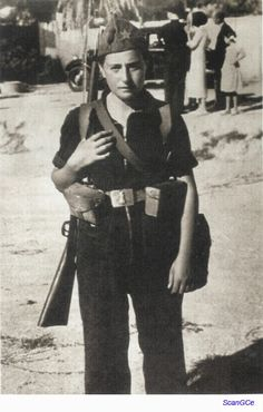 Spanish Civil War, Republican miliciana Josefina Vara, heroine of the Mangada column. Idf Women, Military Women, Military History, Military Art, Aragon, Spanish War, Military Coup, History Activities, Brave Women