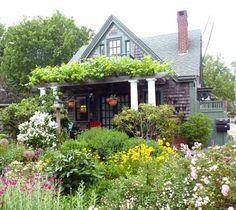 Provincetown Cape Cod cottage/gardens