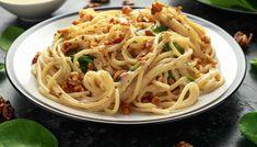 Spaghetti con salsa di formaggio noci e basilico   Un primo prelibato Spaghetti, Polenta, Gnocchi, Food And Drink, Pasta, Ethnic Recipes, Chic, Shabby Chic, Elegant