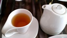 Oolong tea benefits and Weight Loss. There's so much interest in weight loss and oolong tea which helps in reducing weight and promotes overall wellness. Weight Loss Tea, Green Tea For Weight Loss, Best Weight Loss, Lose Weight, Asian Tea, Ancient Recipes, Green Tea Benefits, Cancer Fighting Foods, Fat Burning Foods