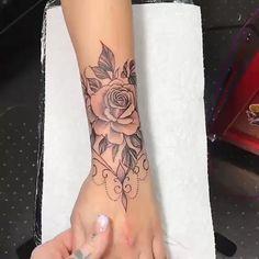 Valery Boisvert on I Girly Tattoos, Skull Rose Tattoos, Tribal Sleeve Tattoos, Dope Tattoos, Body Art Tattoos, Small Tattoos, Anklet Tattoos For Women, Hand Tattoos For Women, Forarm Tattoos