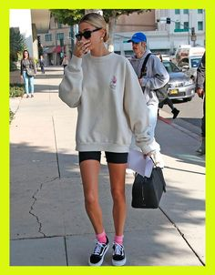 Street Style Outfits, Looks Street Style, Looks Style, Mode Outfits, Model Street Style, Street Style Clothing, Sport Street Style, Street Style Shoes, Sport Style