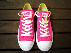 Trendy How To Wear Pink Converse Girls 35 Ideas Neon Converse, Yellow Converse, Converse Boots, Outfits With Converse, Converse All Star, Converse Girls, Converse Fashion, Cute Shoes, Tennis