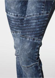 Skinny džínsy s deliacimi švíkmi V • 32.99 € • bonprix