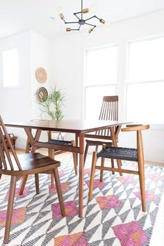 Divert a Dining Room Disaster: Mastering the Art of Mismatched Chairs — Rooms That Get it Right | Apartment Therapy