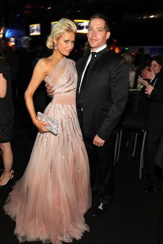 Paris Hilton Looks Pretty in Pale Pink at the Golden Globes (Pictures)