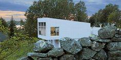 SPENNENDE BOLIG: Huset som har fått navnet Villa Morild sto ferdig i mai 2010. Det er på 246 kvadratmeter og inneholder fire soverom. Totalsummen for prosjektet endte på 5 millioner kroner.