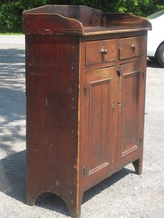 Red Jelly Cupboard - this is what I want for our water filter! Primitive Cabinets, Old Cabinets, Primitive Kitchen, Primitive Furniture, Country Furniture, Primitive Antiques, Primitive Country, Primitive Decor, Jelly Cabinet
