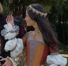 Tudor Costumes, Period Costumes, Movie Costumes, Salmon Dress, Tudor Monarchs, Anne Boleyn Tudors, Tudor Fashion, Anne Of Cleves, Renaissance Fair Costume